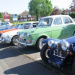 Members cars meet at the Marlbrook Inn